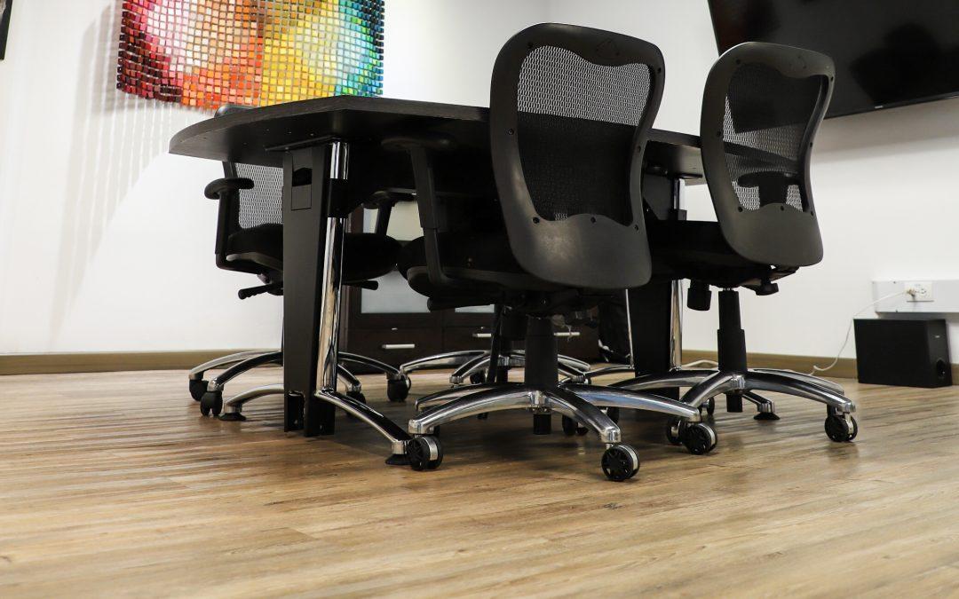 ¿Quieres una oficina moderna? Utiliza este piso